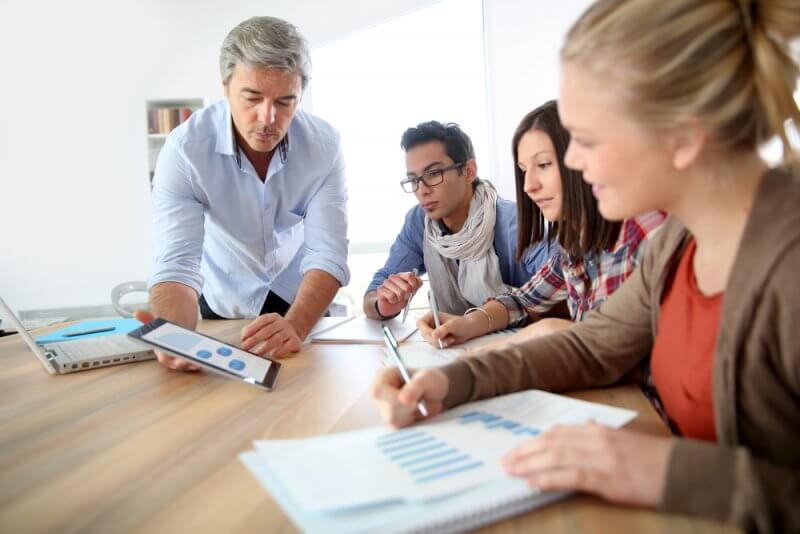 Соотношение студентов к преподавателям в Geneva Business School составляет 6 к 1