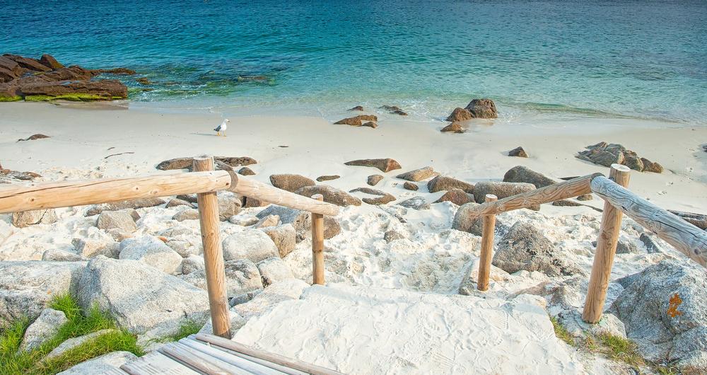 Белоснежные пляжи островов Сиес
